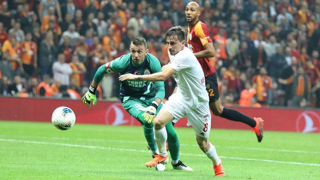 Galatasaray'dan Mert Hakan Yandaş kararı