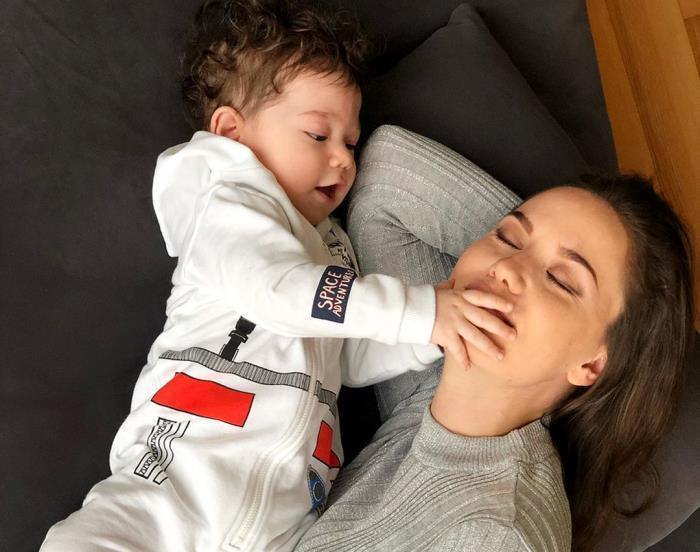 Fahriye Evcen ne zaman doğum yaptı? İşte Fahriye Evcen ile Burak Özçivit'in oğlu Karan bebeğin fotoğrafları