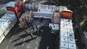 Yılbaşı öncesi İstanbul merkezli 8 ilde eş zamanlı dev operasyon: 250 ton sahte içki ele geçirildi