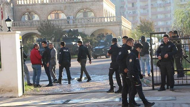 HDP'li Nilüfer Elik Yılmaz terör soruşturmasından tutuklandı!