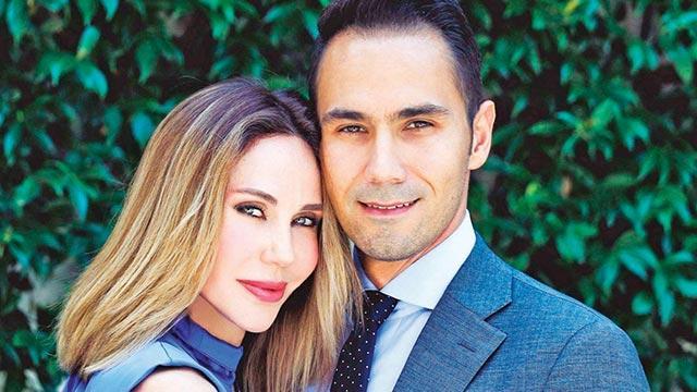 Demet Şener: Koşarak evlendik