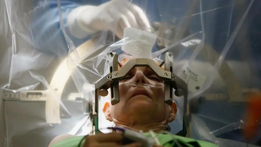 Hastaneden 15 bin euroluk kafatası delme cihazını çaldılar