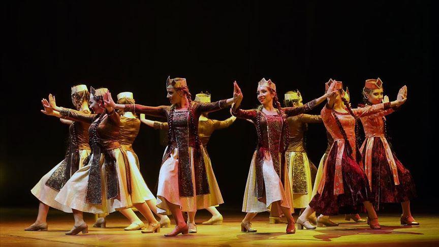 Maral Müzik ve Dans Topluluğu 40. yılını kutladı