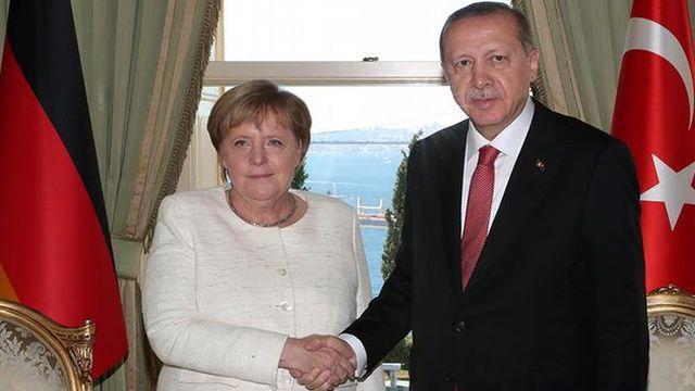 Merkel 24 Ocak'ta İstanbul'a geliyor