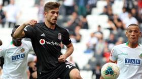 Beşiktaş, Dorukhan Toköz ile 3 yıllık yeni sözleşme konusunda anlaştı