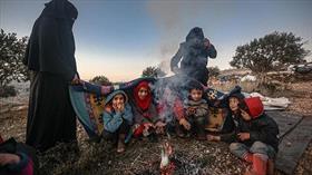 Katil Esed'in saldırıları sonrası 13 bine yakın sivil daha Türkiye sınırı yakınlarına göç etti