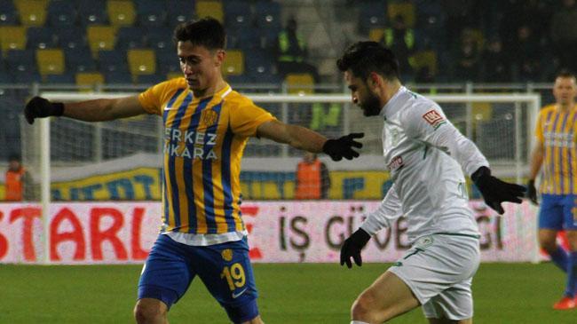 Konyaspor üç puanı Shengelia ile aldı