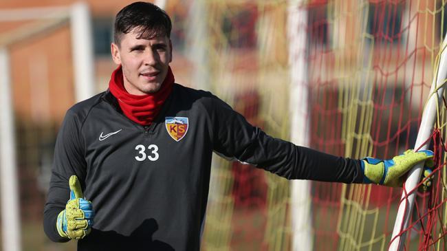 Karius ile yollarını ayırmaya hazırlanan Beşiktaş, Silviu Lung'la anlaşmaya vardı