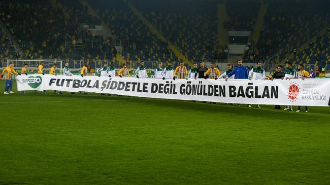 Ankaragücü ve Konyaspor'dan 'Rakibine Jest Yap' kampanyasına destek
