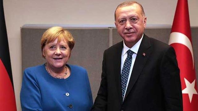 Başkan Erdoğan ve Merkel'den Libya görüşmesi