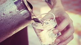 İlaç kullananlar daha fazla su içmeli
