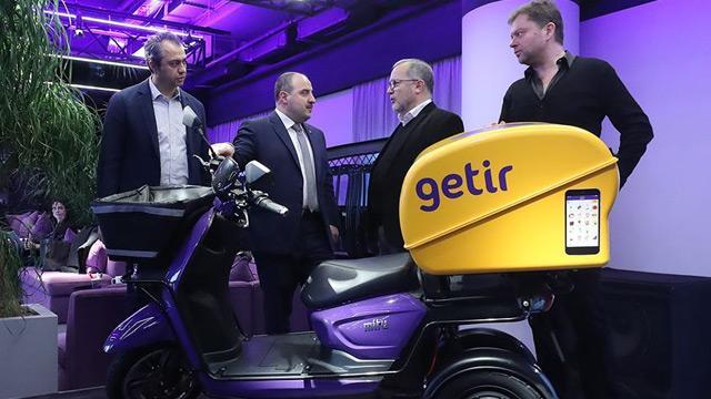 Sanayi ve Teknoloji Bakanı Mustafa Varank, Silikon Vadisi'nden yatırım alan Türk şirketini ziyaret etti