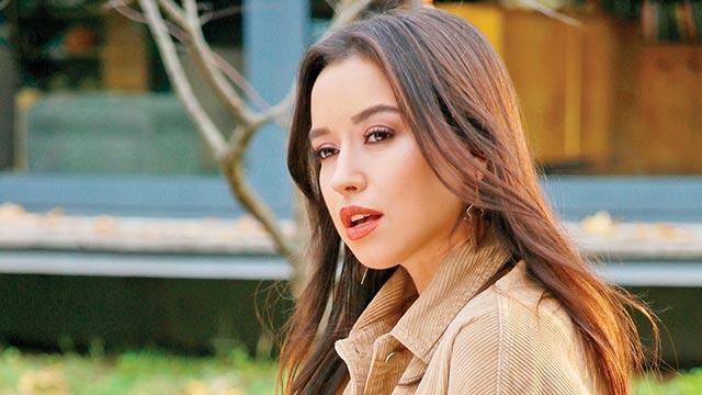 Tuğba Yurt, Güller Ülkesi: Damascena filmi için şarkı yaptı