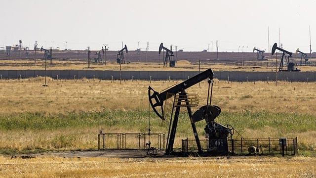 Suriye'de gerilim tırmanıyor! ABD askerlerinden Rus askerlere 'petrol sahası' engeli
