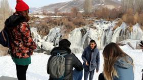 Donan Muradiye Şelalesi'nde eşsiz manzara