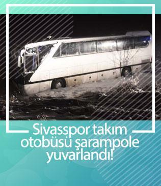 Sivasspor'un altyapı oyuncularını taşıyan araç şarampole yuvarlandı