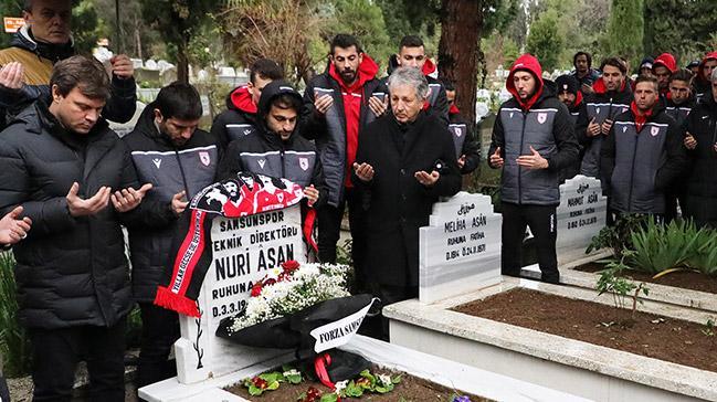 Samsunsporlu futbolcular, 31 yıl önceki kazada ölenleri unutmadı