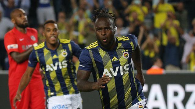 Moses Inter'e imza atmak için Milano'ya gitti