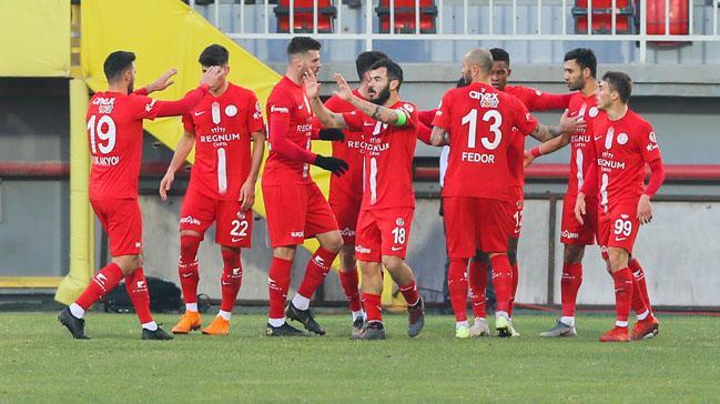 Antalyaspor deplasmanda turladı