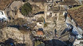 Manisa'da 5.4'lük depremin ardından hasar tespit çalışmaları sürüyor