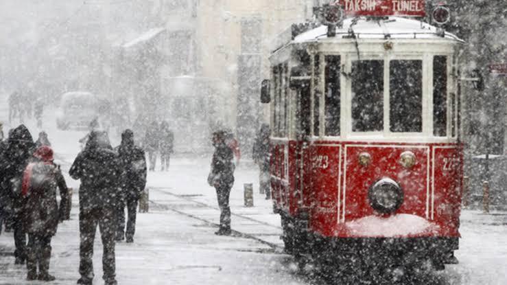 İstanbul'da kırmızı alarm: Karla karışık yağmur ve kar!