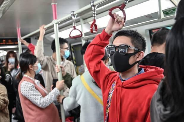 Şehir karantinaya alındı! Virüs sınırları aştı dünyaya yayılıyor