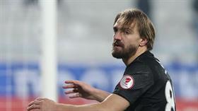 Yunan ekibi AEK, Caner Erkin için İstanbul'a geliyor