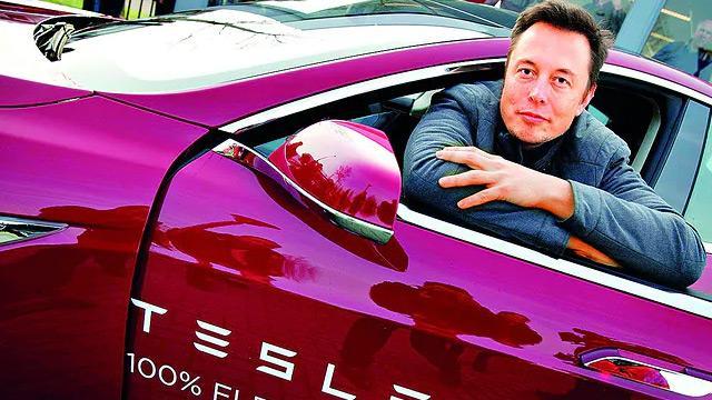Musk, Tesla'dan voleyi vurdu