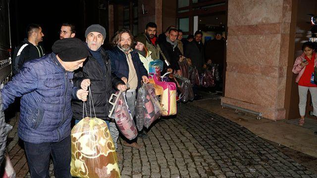 Türkiye, Elazığ ve Malatya'da can kaybına neden olan deprem için seferber oldu