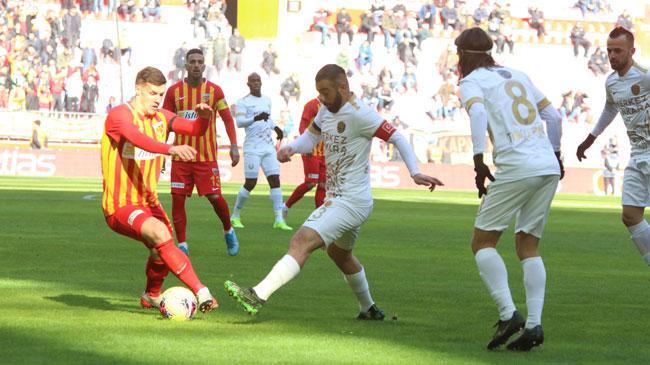 Kayserispor sahasında 1-0 öne geçtiği maçta Ankaragücü ile 1-1 berabere kaldı