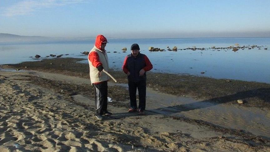 Balıkesir'de deniz çekilince 2 bin 500 yıllık liman ortaya çıktı
