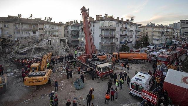 Elazığ'daki deprem sonrası gelişmelerde son durum! AFAD: 826 artçı deprem meydana geldi