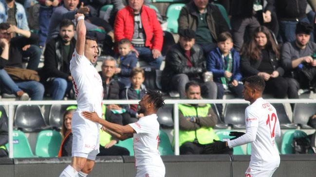 Antalyaspor üç puanı 3 golle aldı