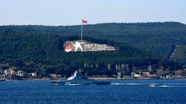 Rus savaş gemisi'Dmitry Rogachev' Çanakkale Boğazı'ndan geçti