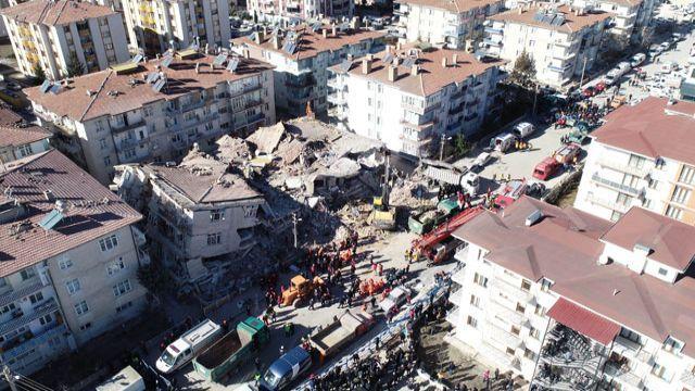 Deprem bölgesinde drone'lar hızlı müdahaleyi sağladı