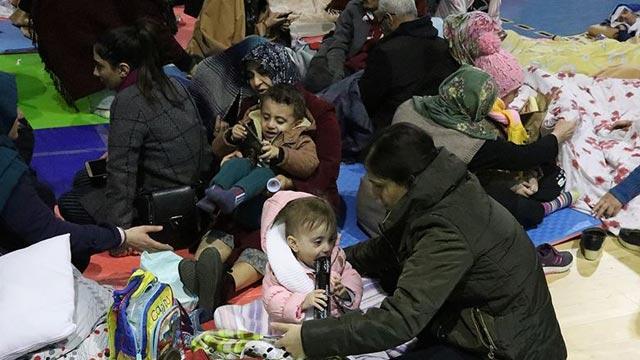 """Türk Kızılay'dan depremzedeler için yardım kampanyası! """"Haydi Türkiye İyilik Sensiz Olmaz"""" ve """"Gün Elazığ İçin Birlik Olma Günü"""""""