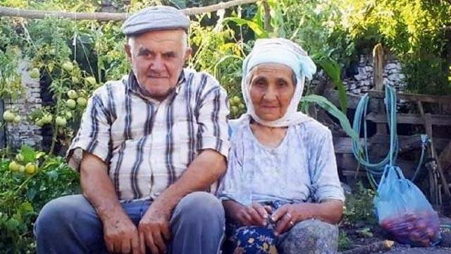 68 yıllık hayat arkadaşını kaybetmenin acısına dayanamadı, 10 dakika sonra öldü