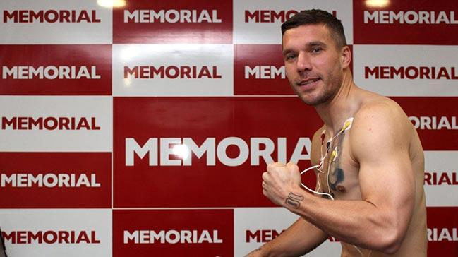 Lukas Podolski, Antalyaspor için sağlık kontrolünden geçti