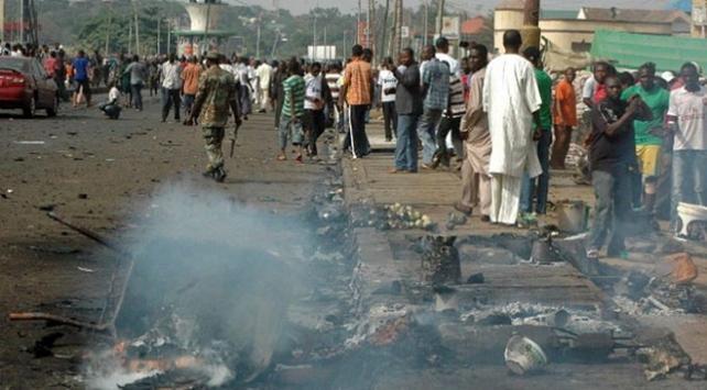Nijerya'da camiye çifte intihar saldırısı