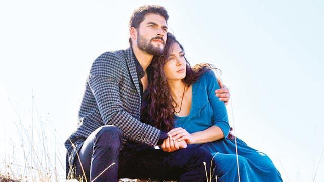 Ebru Şahin ve Akın Akınözü'nün reyting rekorları kıran Hercai dizisi 20 ülkeye satıldı