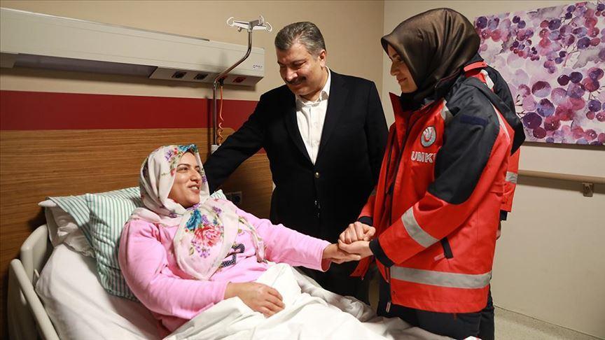 Sağlık Bakanı Koca: Elazığ'daki depremde yaralananlarda kritik bir hastamız yok