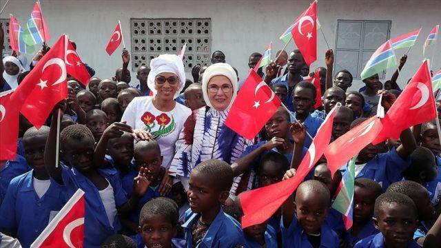 Emine Erdoğan Gambiya'da cami ve okul açılışını gerçekleştirdi