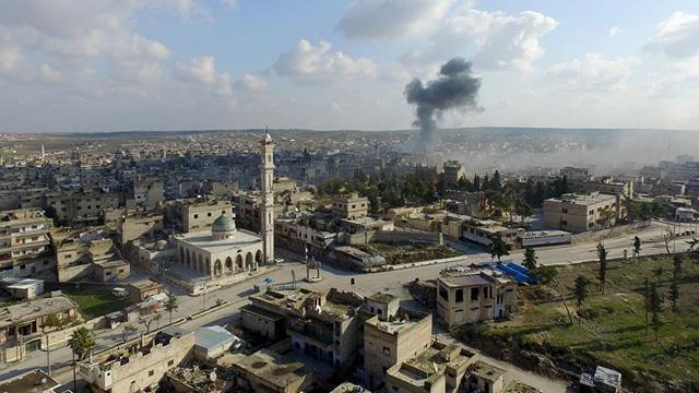 Esed rejimi güçleri İdlib'in en büyük ilçesine girdi