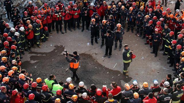 AFAD, Elazığ ve Malatya'da arama kurtarma çalışmalarının tamamlandığını duyurdu