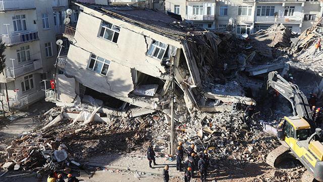 Manisa'da deprem devam eder mi?