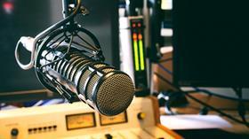 Radyoyu kadınlar cep telefonundan, erkekler araç radyosundan dinlemeyi tercih ediyor