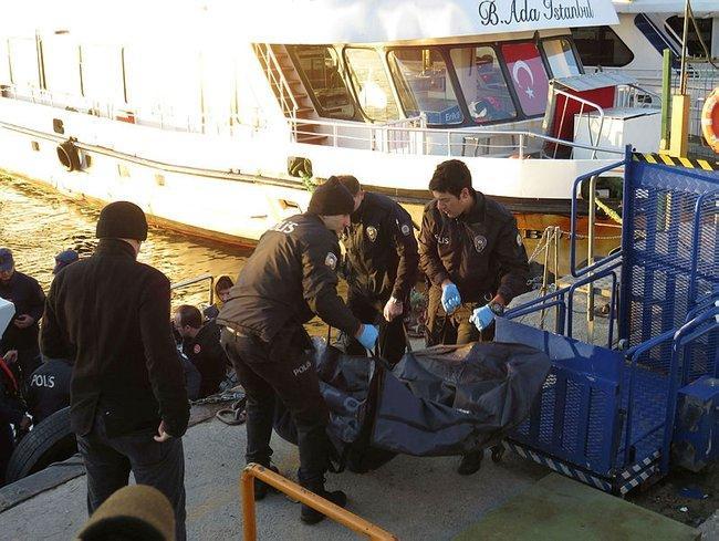 Kartal'da denizden 40 yaşlarında erkek cesedi çıktı
