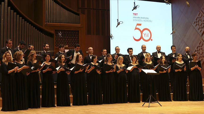 TRT Ankara Radyosu Çoksesli Korosu'ndan 50'nci yıl dönümü konseri