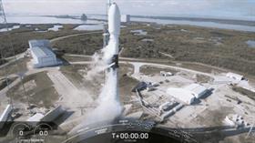 SpaceX, yörüngeye 60 internet uydusu daha gönderdi