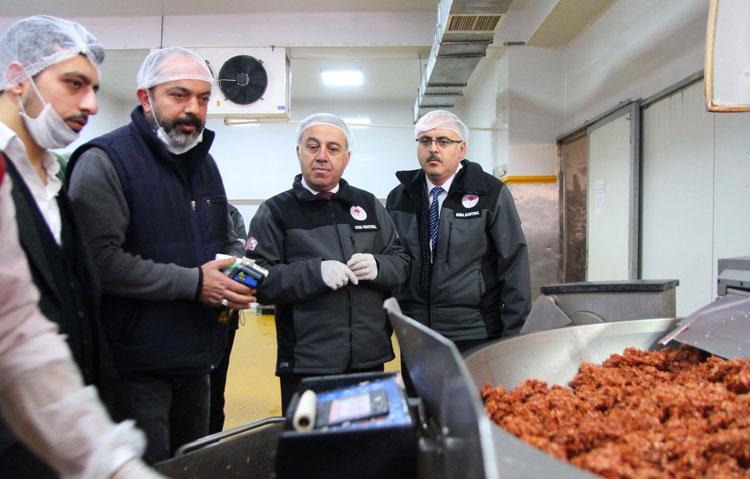 Kayseri'de sucuk ve pastırma üreticileri denetlendi